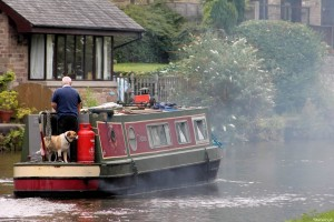 man-and-dog-leeds-to-liverpool-canal